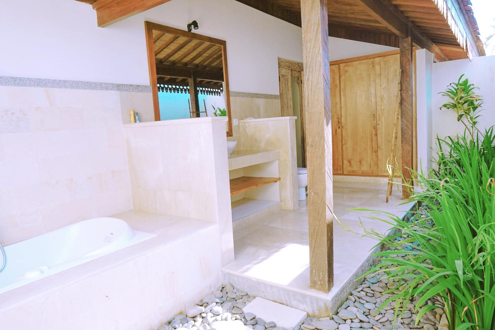 Koupelna ve vile na Bali Asijo